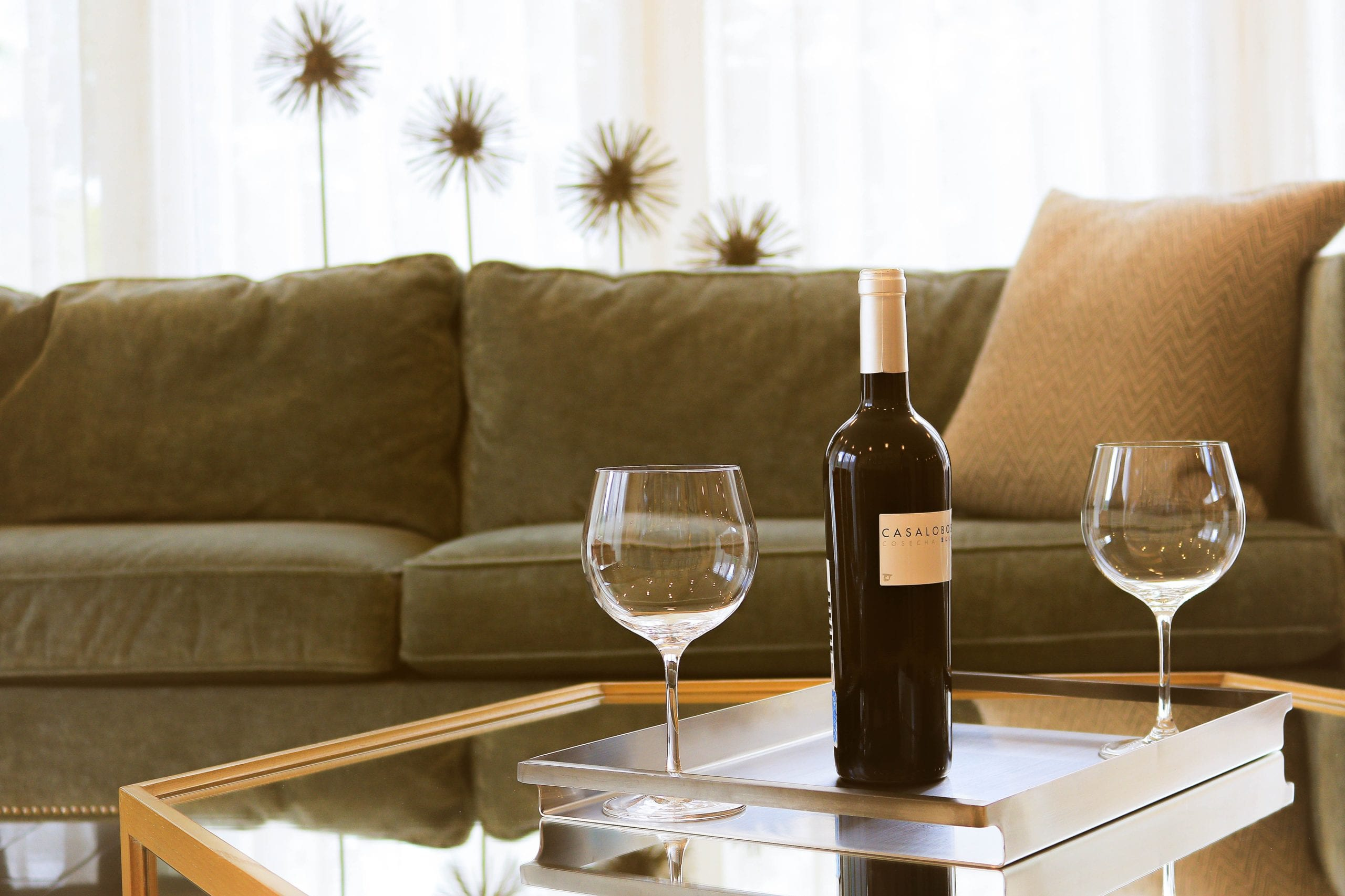 A red wine glass has a bigger, wider bowl to allow bold aromas to come to the fore.